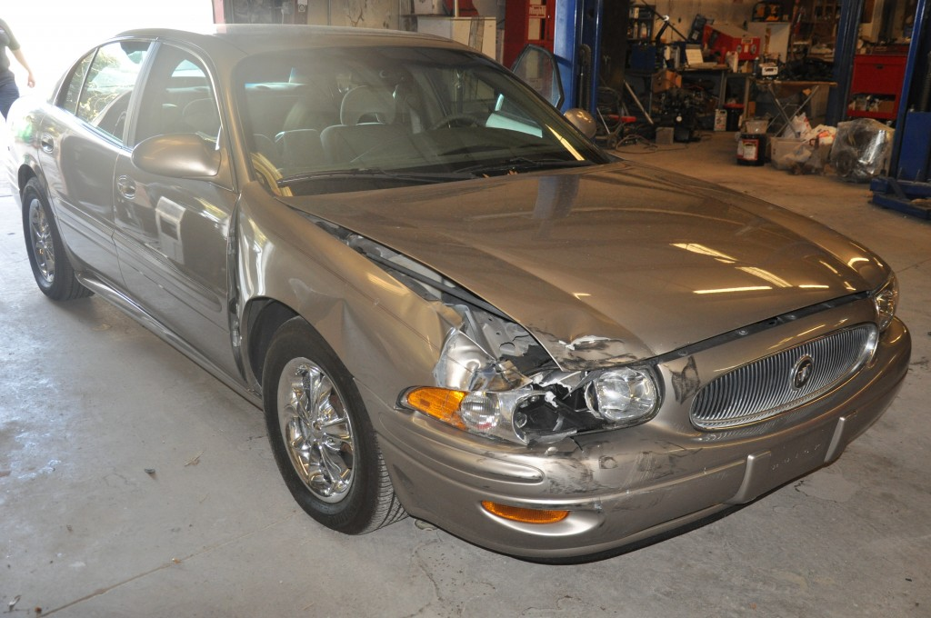 2001 Buick LeSabre right front hit