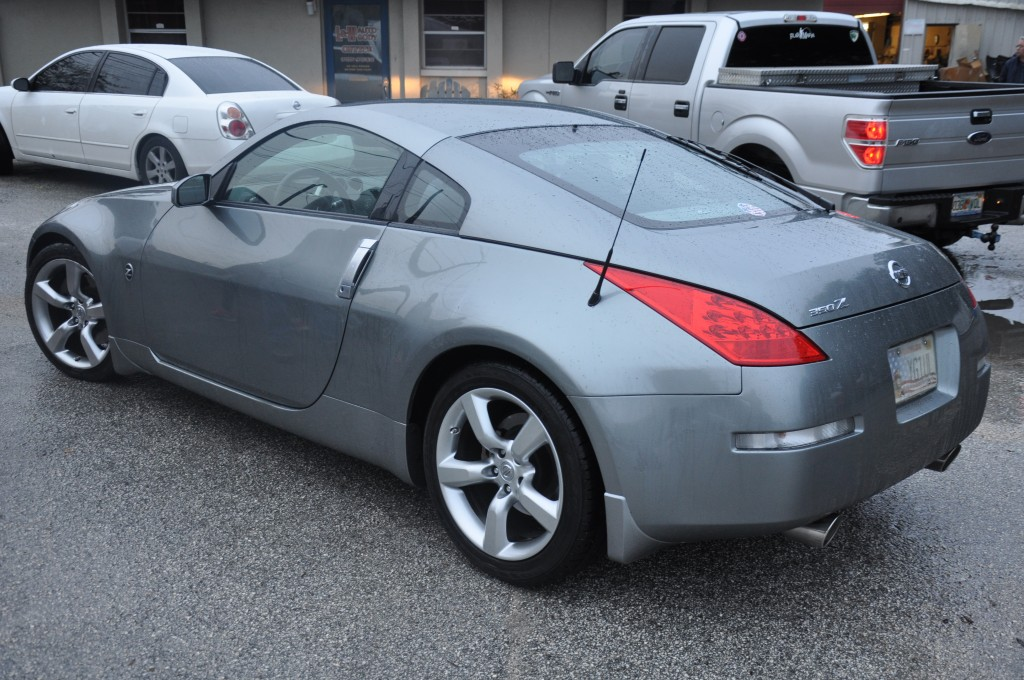 2006 Nissan 350z left quarter replace