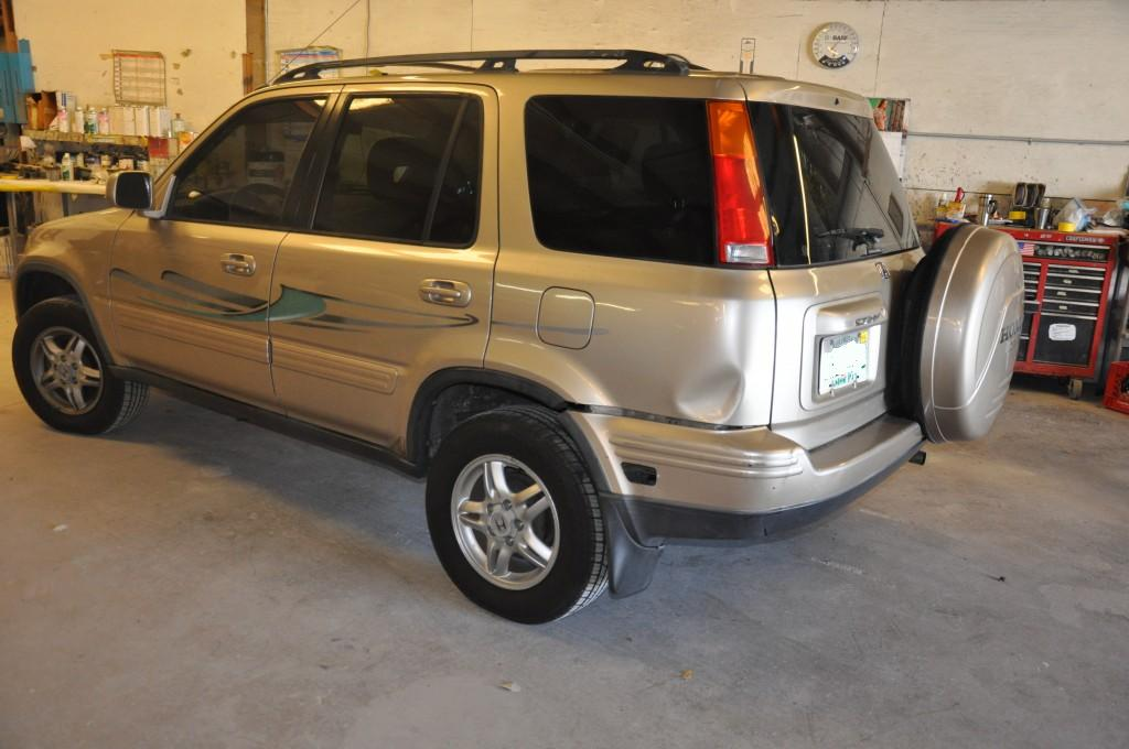 2001 Honda CRV left rear damage