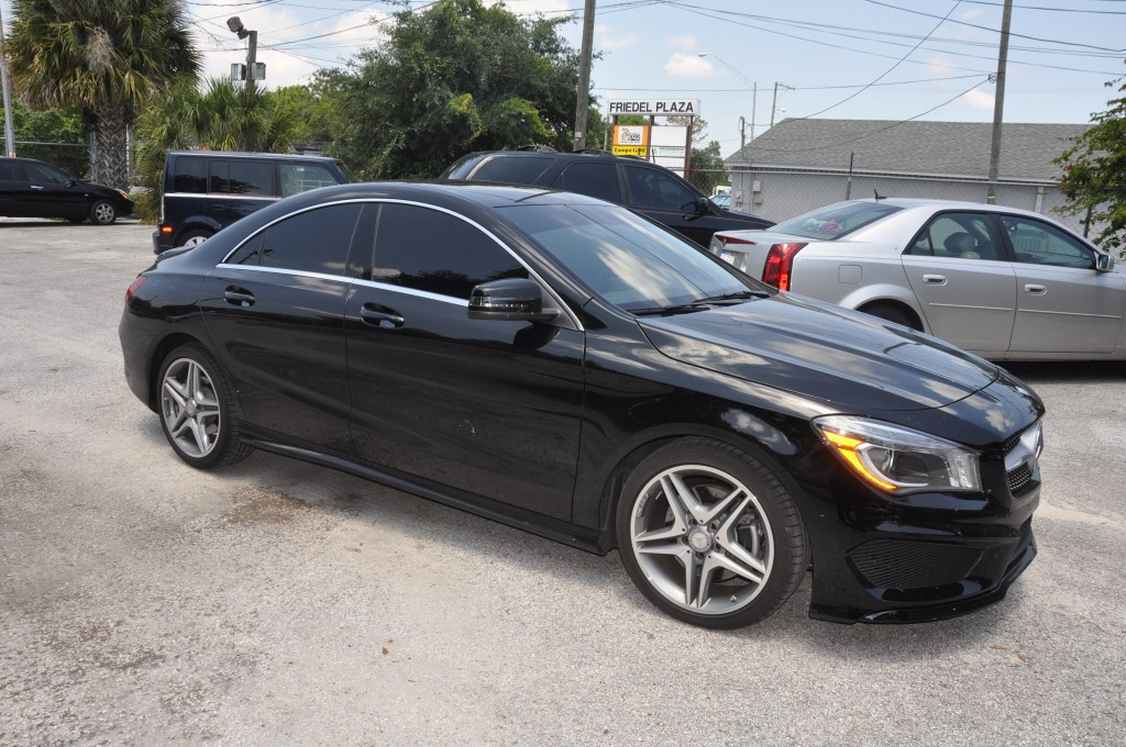 2014 Mercedes CLA250 right front door