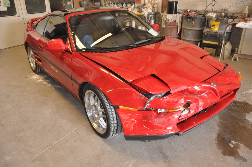 1991 Toyota MR2 front smashed