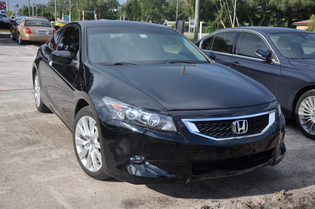 2009 Accord EX Coupe front right view