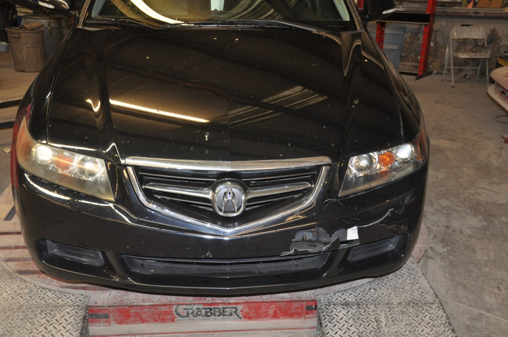2004 Acura TSX front collision
