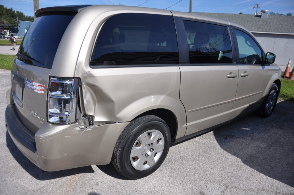 2009 Dodge Caravan rear quarter collicion
