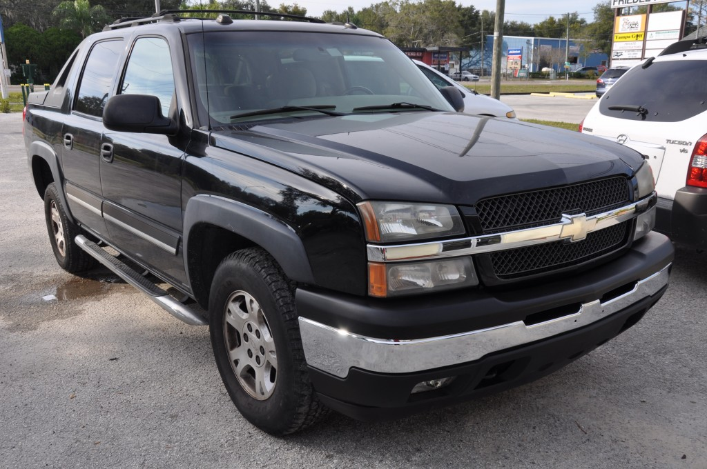 2005 Chevrolet Avalanche after front auto body repairs