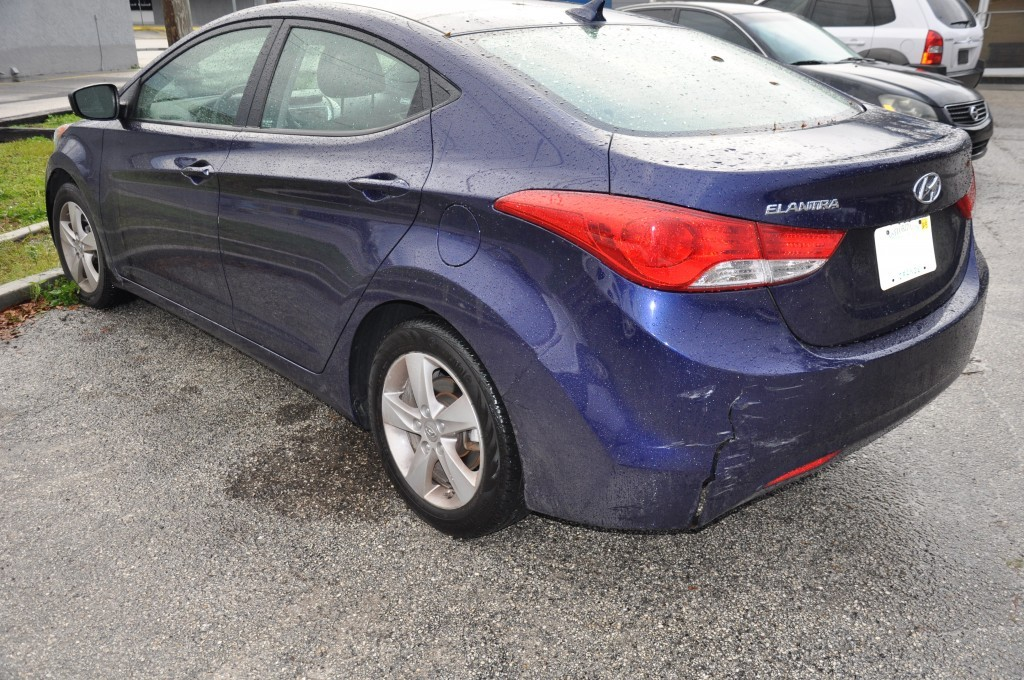2012 Hyundai Elantra rear bumper damage