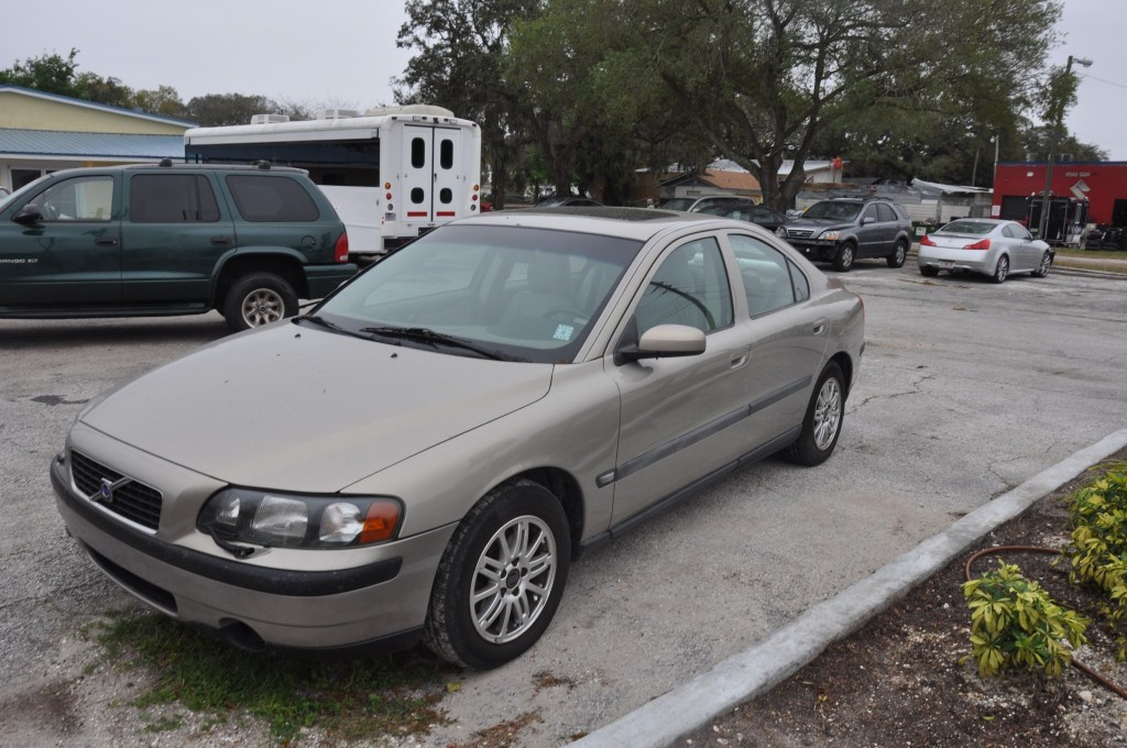 2004 Volvo S60 side auto body repairs