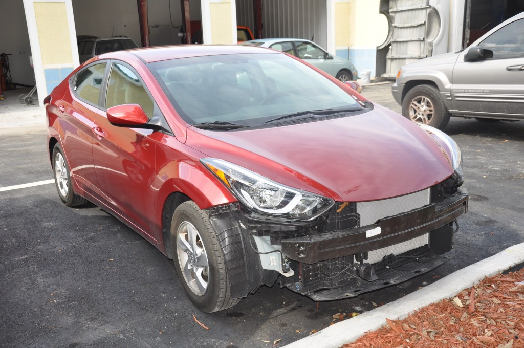 2015 Hyundai Elantra missing bumper