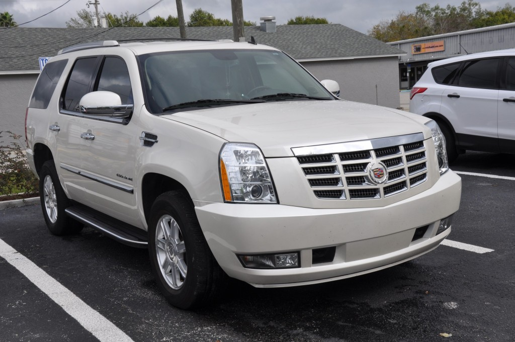 2012 Cadillac Escalade minor collision repairs