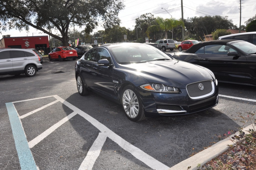 2013 Jaguar XF rocker