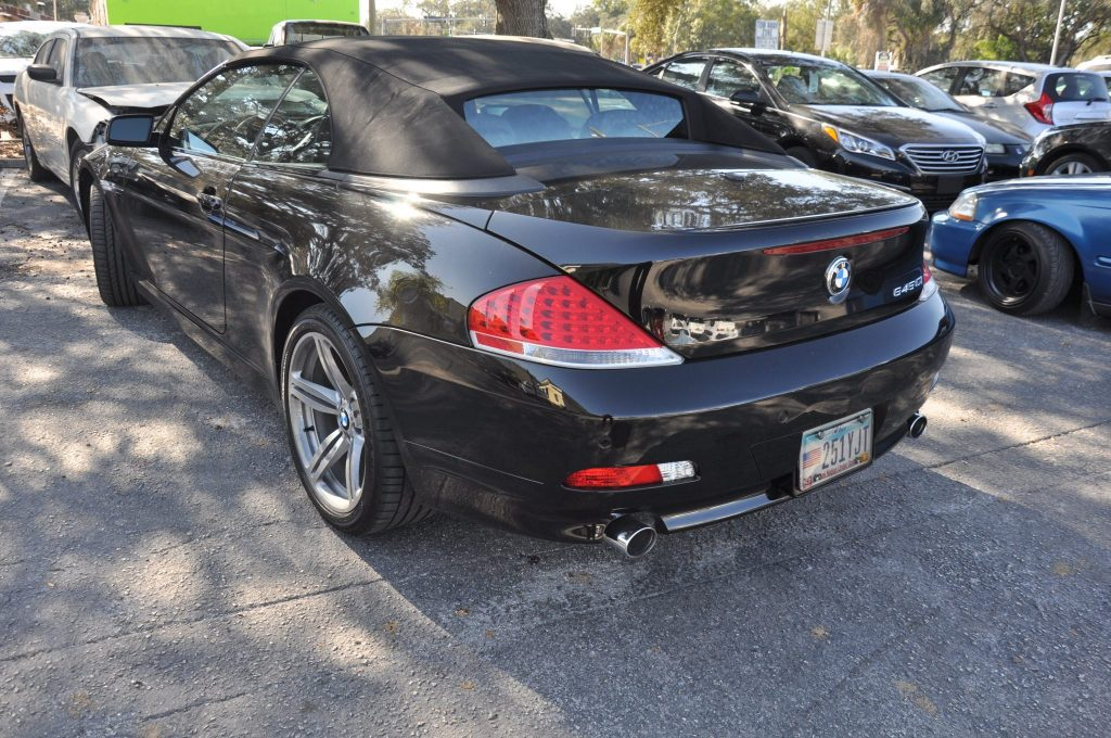 2005 BMW 645ci with cracked rear bumper