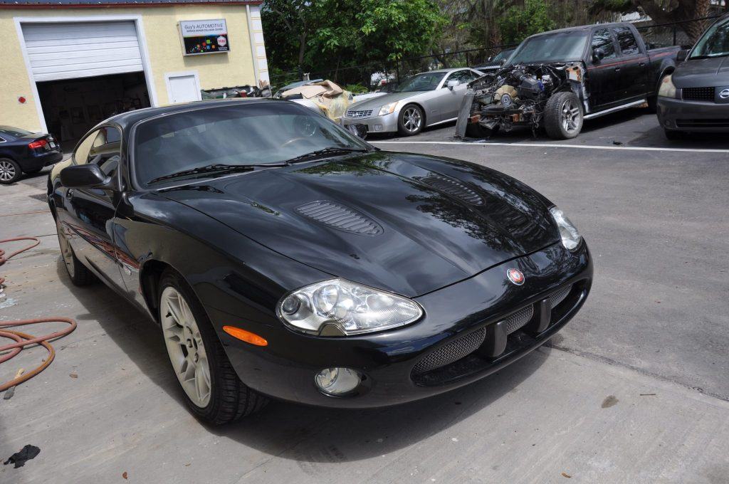 2002 Jaguar XK-R right front view